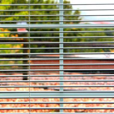 HOW TO CLEAN BLINDS: VINYL OR ALUMINUM