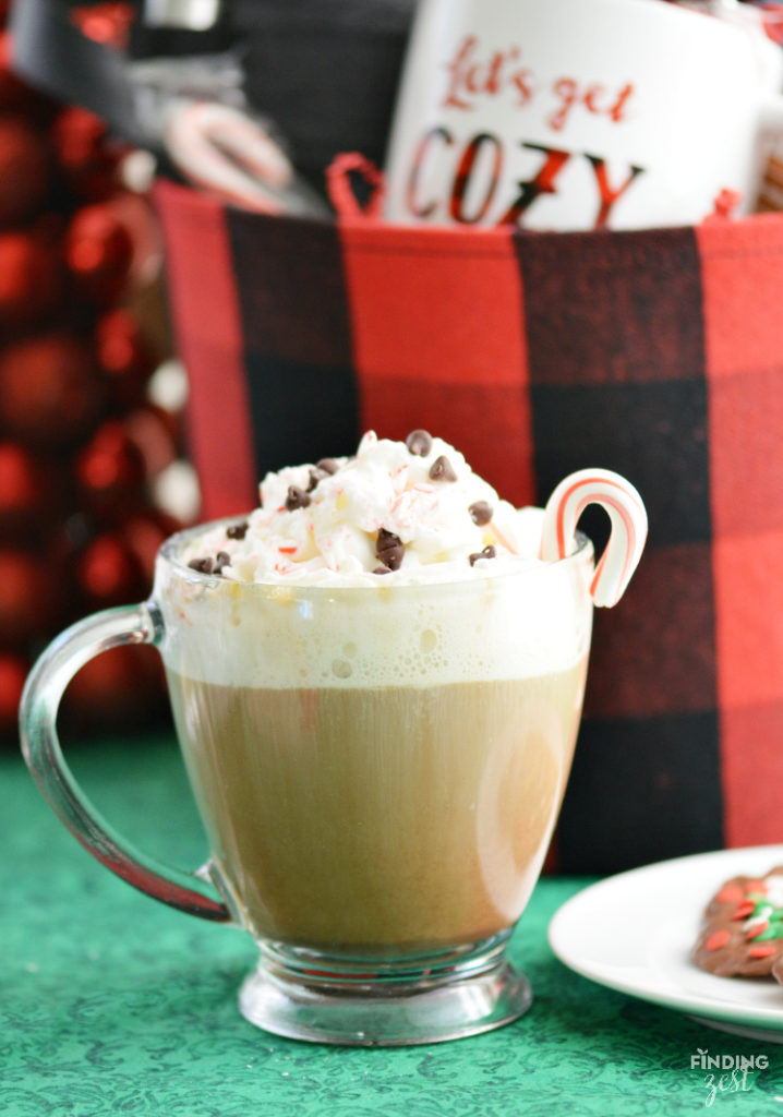 Have a Merry Peppermint Mocha Christmas! Click for the recipe for this holiday drink. {via Finding Zest}