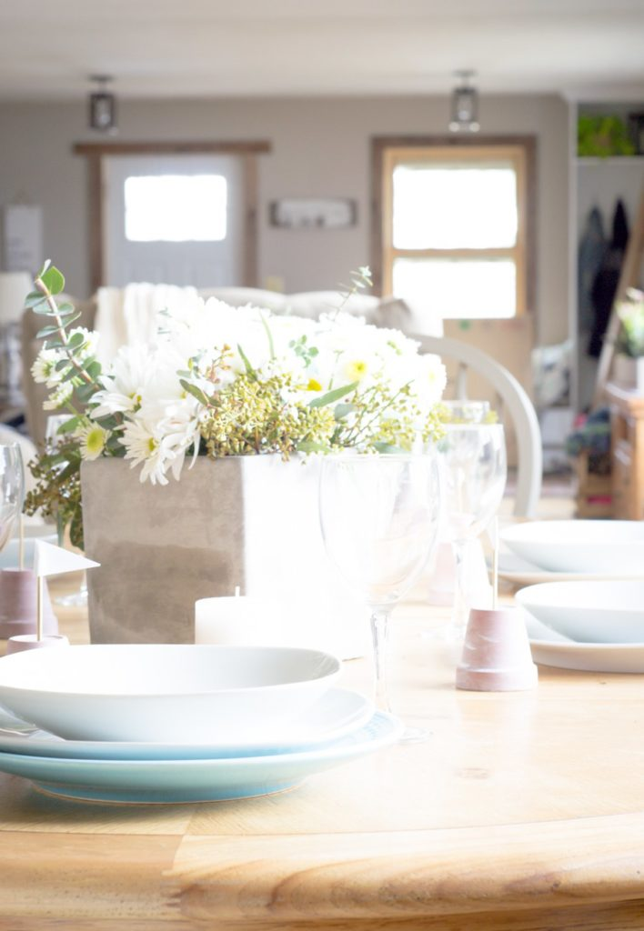 DIY your way to a beautiful home with this lesson In bouquet making. {via North Country Nest}